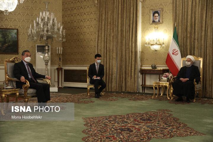 دیدار حسن روحانی با وزیر خارجه چین / تصاویر