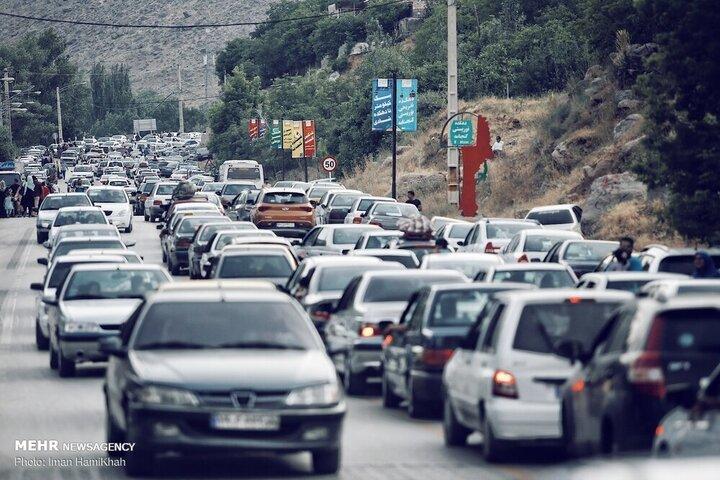 ترافیک نیمهسنگین در آزادراه کرج - قزوین محدوده پایانه شهید کلانتری و پل فردیس