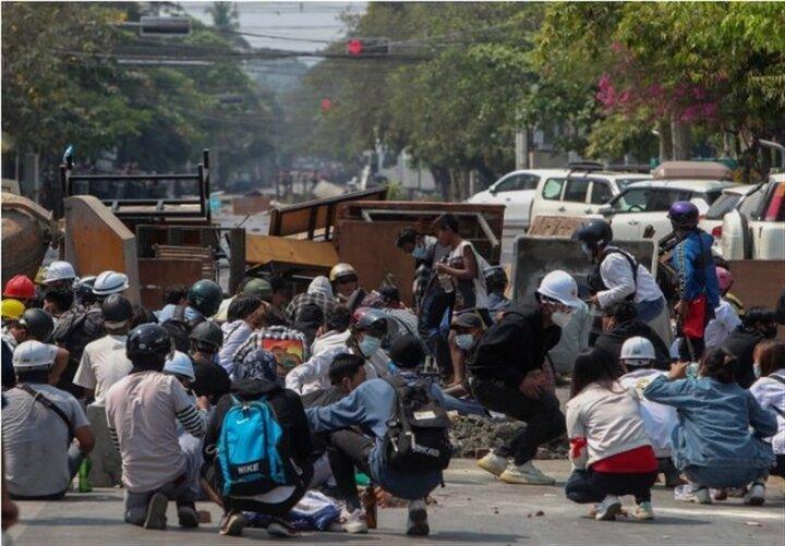 کشته شدن بیش از ۹۰ معترض در میانمار