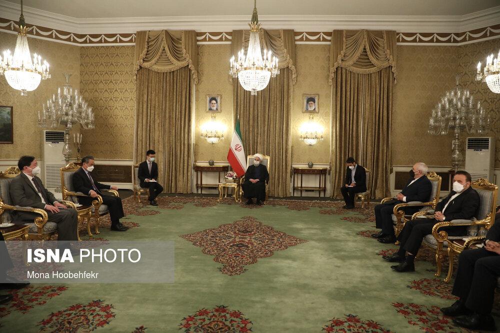 دیدار وزیر خارجه چین با حسن روحانی