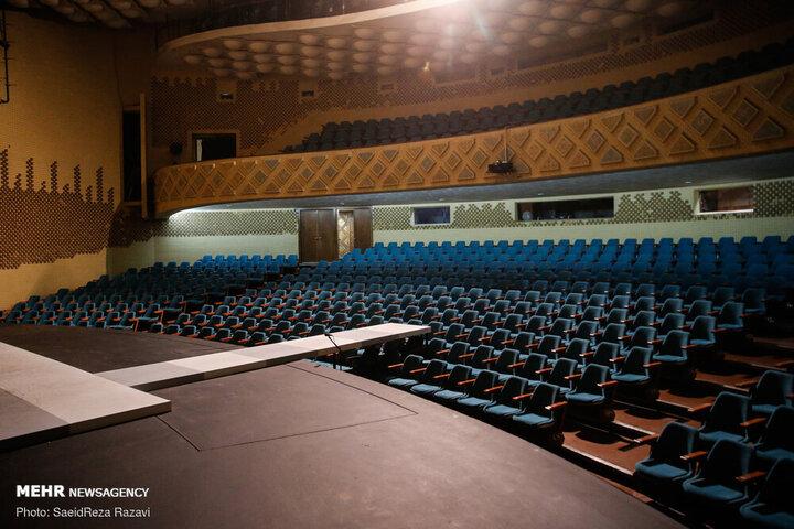 تداوم تعطیلی سالنهای نمایش در سال ۱۴۰۰   سالنهای «تئاتر»تا اطلاع ثانوی تعطیل شدند