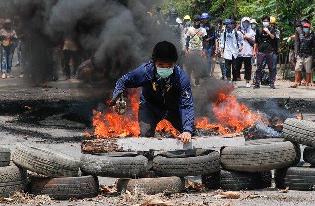 """میانمار در سوگ خونبارترین روز پس از کودتا / سازمان ملل """"قتلعام"""" معترضان را محکوم کرد"""