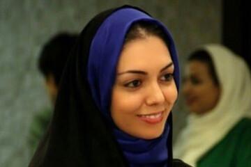 لحظه اقامه نماز بر پیکر آزاده نامداری در قطعه هنرمندان / عکس