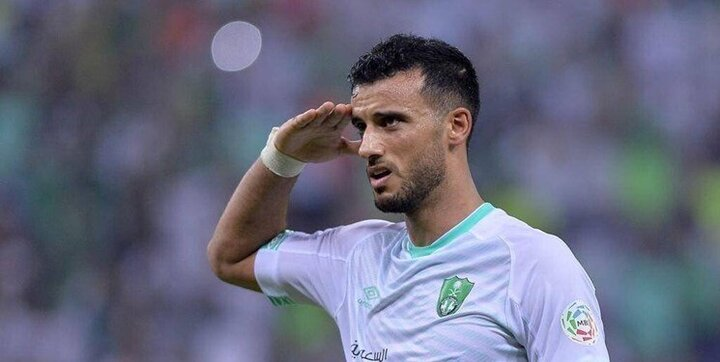 عمر السوما مهاجم الاهلی عربستان به بازی با استقلال میرسد