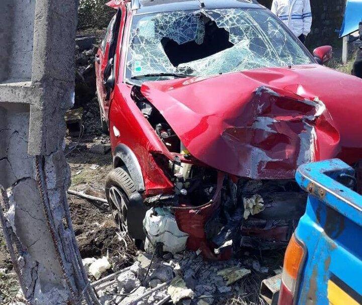 زخمی شدن ۵ نفر بر اثر تصادف هولناک خودروی ۲۰۶