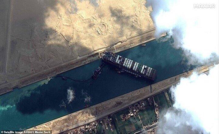 وقتی کشتیها پس از بازگشایی کانال سوئز بوق شادی زدند / فیلم
