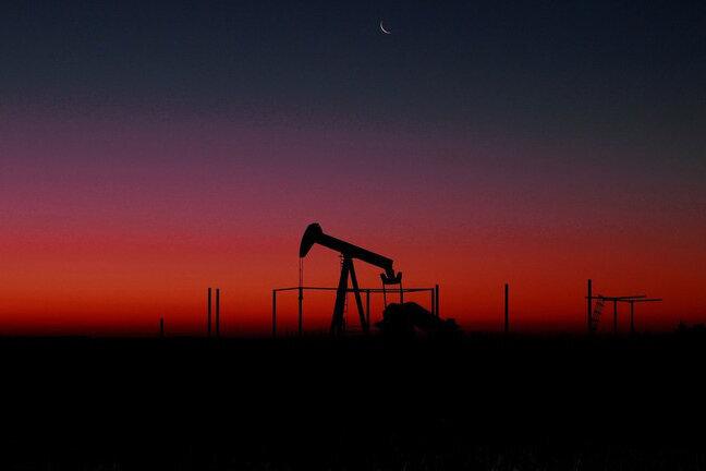سقوط ۱.۳۴ درصدی قیمت نفت خام برنت | قیمت نفت خام به ۶۴.۱۱ دلار رسید