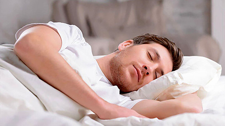 بهترین خوراکی برای داشتن یک خواب خوب چیست؟ | خوراکیهای آرام بخش و خوابآور کدامند؟
