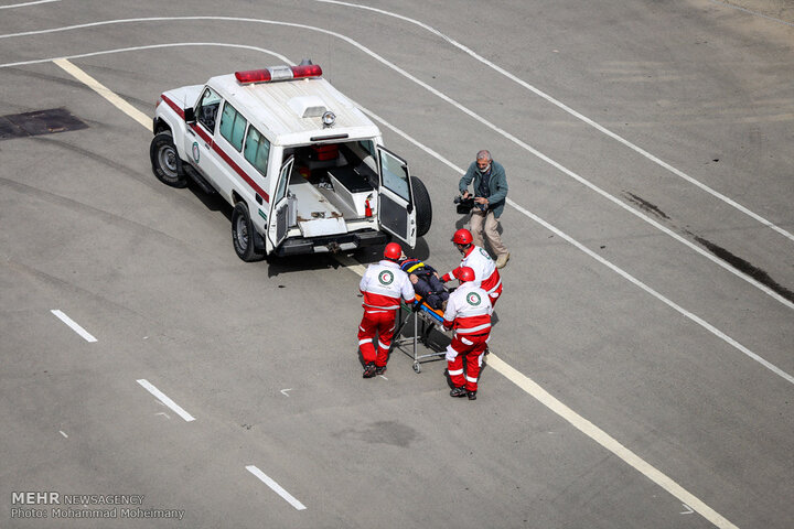 تلاش ناوگان هلال احمر برای خرید ۵۰ دستگاه خودروی امدادی