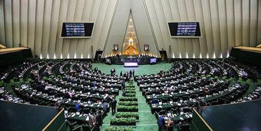 از سیلی زدن آقای نماینده به سرباز تا ادعای  استاندار احمدی نژاد/ حواشی بهارستان در سال ۹۹