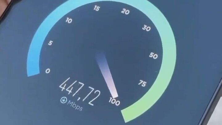 تست سرعت ۵G در نزدیک یک دکل مخابراتی / فیلم