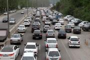 ترافیک روان در خیابانهای تهران در روز طبیعت