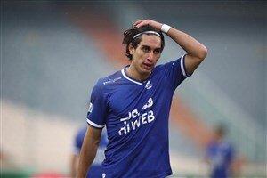 محمد نادری به دلیل ۴ اخطاره بودن مقابل پیکان غایب خواهد بود