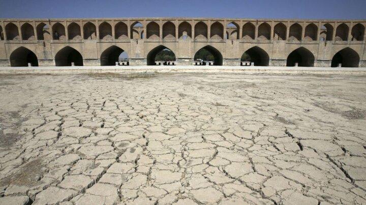 ایران در حال حاضر دچار خشکسالی شدید است
