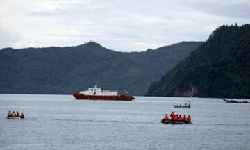 مفقود شدن ۱۷ نفر بر اثر برخورد دو کشتی در اندونزی