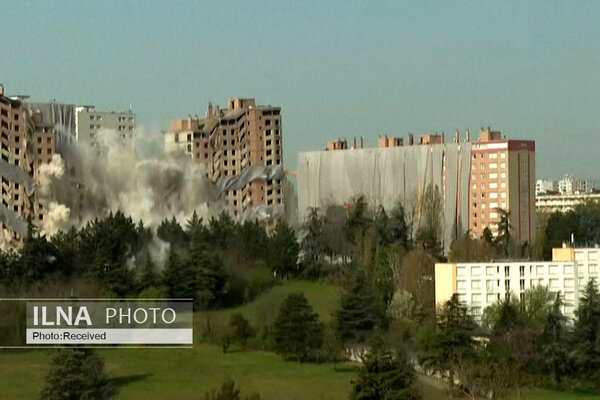 تخریب ساختمان ۱۵ طبقه در چند ثانیه/ فیلم