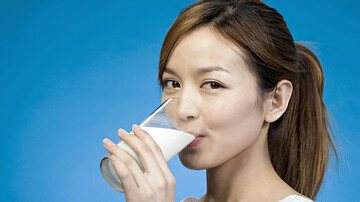 فواید باورنکردنی نوشیدن شیر که از آن بیاطلاعید   علائم کمبود ویتامینهای شیر در بدن چیست؟
