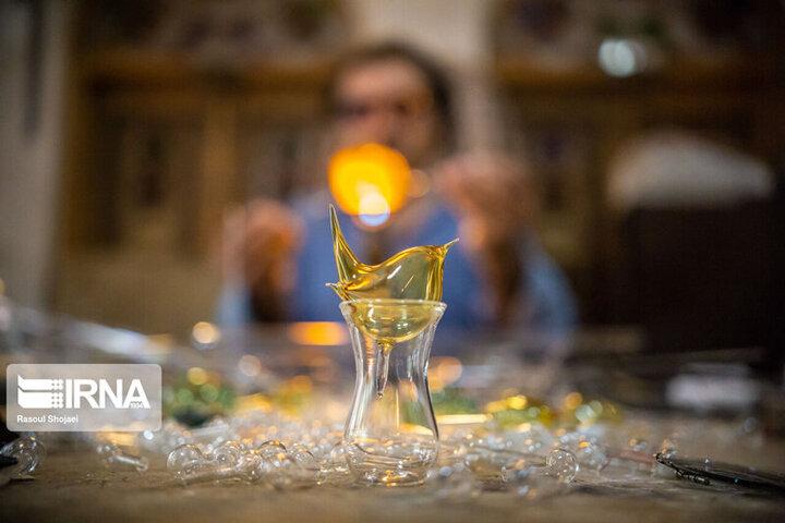 گزارش تصویری از هنر شیشهگری در ایران