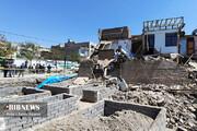 ریزش ساختمان مسکونی به دلیل گودبرداری غیر اصولی در مشهد / تصاویر
