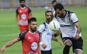 حضور علی کریمی در بازی خیبرخرمآباد - بادران /عکس