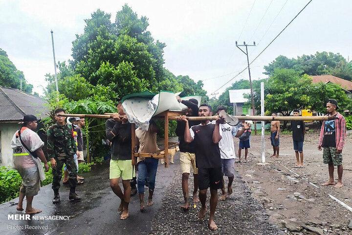 رانش زمین و سیل مرگبار در اندونزی / تصاویر