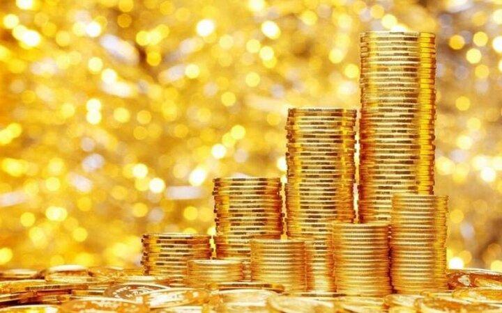 سکه عقب نشست/ قیمت انواع سکه و طلا ۱۸ فروردین ۱۴۰۰