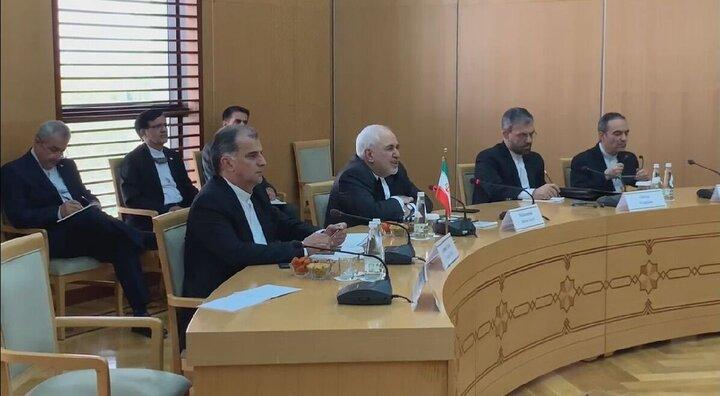 دیدار ظریف با همتای ترکمنستانی خود