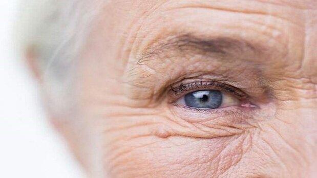 ۹ عادت روزانه که پوست صورتتان را پیر میکند