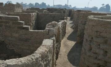 کشف یک شهر اداری و صنعتی بزرگ ۳ هزار ساله در مصر/ عکس