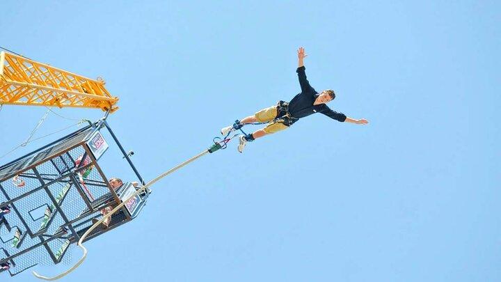 سقوط وحشتناک یک مرد از بانجی جامپینگ /فیلم