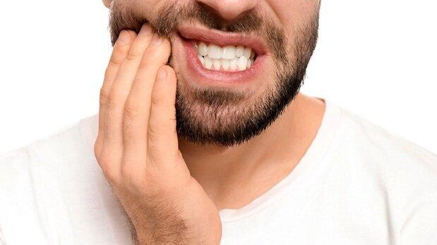 این ۵ خوراکی دندانها را نابود میکند