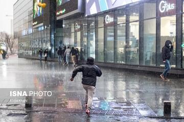 گزارش آب و هوا ۲۲ فروردین ۱۴۰۰/ ۲۷ استان امروز بارانی میشوند