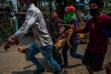 ۸۲ کشته در جریان اعتراضات در میانمار