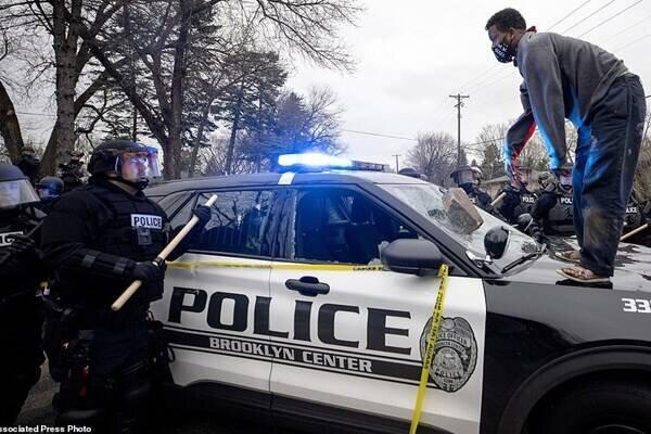 صحنه هدف قرار گرفتن جوان سیاهپوست توسط پلیس آمریکا / فیلم