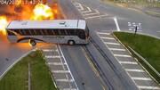 تصادف هولناک یک تریلی با خودرو و اتوبوس / فیلم