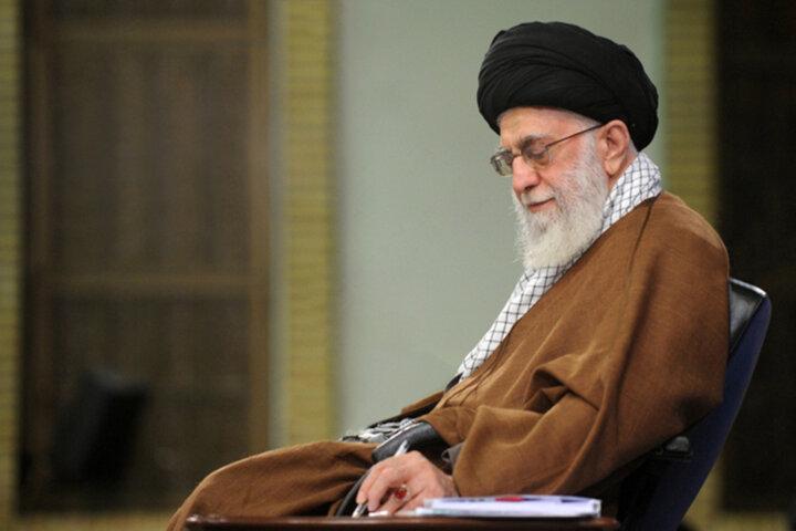 فتوای رهبر معظم انقلاب اسلامی درباره تزریق واکسن در حین روزه داری / عکس