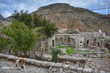 گزارش تصویری از روستای سنگی ۷۰۰ ساله در خوزستان