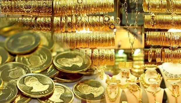 سکه ۷۰ هزار تومان ارزان شد | قیمت انواع سکه و طلا ۲۷ فروردین ۱۴۰۰ + جدول