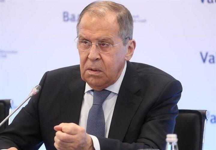 اخراج ۱۰ دیپلمات آمریکایی توسط دولت روسیه   ممنوعیت ورود هشت مقام آمریکایی به روسیه