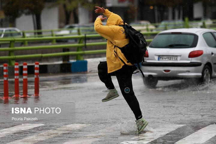 گزارش آب و هوا ۲۸ فروردین/ جزییات بارش باران در برخی مناطق کشور