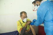 واکنش مجری تلویزیون به واکسن زدن مسئولین به جای پاکبانان / فیلم
