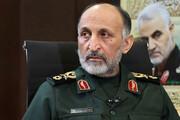 سردار حجازی در کنار رهبر انقلاب / عکس