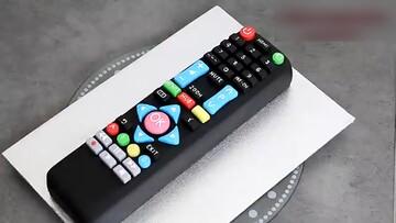 طراحی خلاقانه کیک به شکل کنترل تلویزیون / فیلم