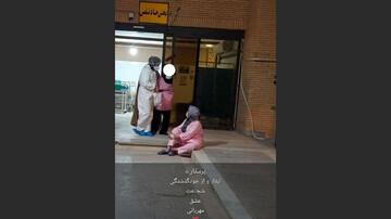 فداکاری بینظیر پرستار در زلزله بوشهر/ عکس