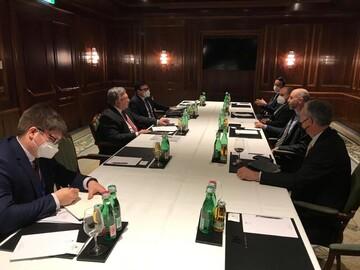 گفتگوی روسیه و آمریکا در وین درباره لغو تحریمهای ایران