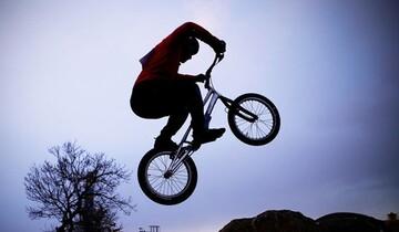 تصاویری زیبا از مسابقات حرکات نمایشی با دوچرخه و موتور / فیلم