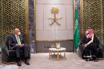 یونان و عربستان توافق همکاریهای نظامی امضا کردند