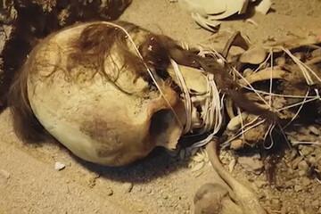 کشف اسکلت زن ۱۳۰۰ ساله موسوم به «بی بی حیات» در یزد / فیلم