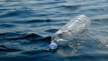فشار باورنکردنی آب در اعماق دریا / فیلم