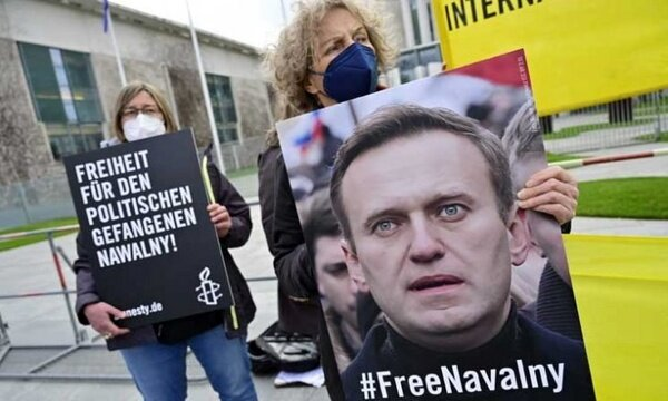 فرانسه، روسیه را به اعمال تحریمهای جدید تهدید کرد